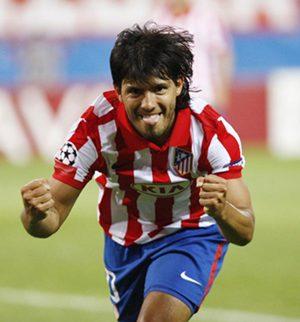 El Atlético vence sin problemas ( 2-0 )