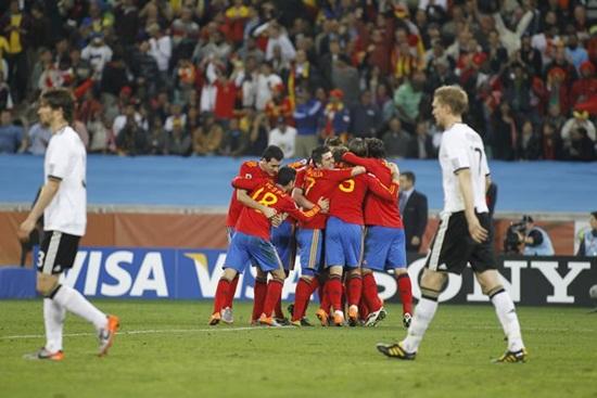España pasa a la final