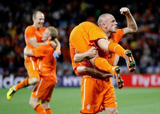 Sneijder y Robben esperan en la final