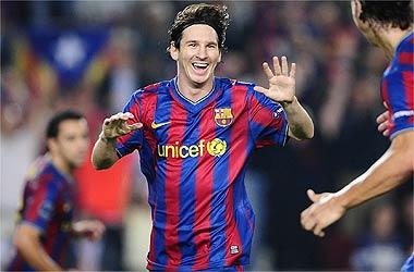 Un gran Leo Messi y un árbitro amable