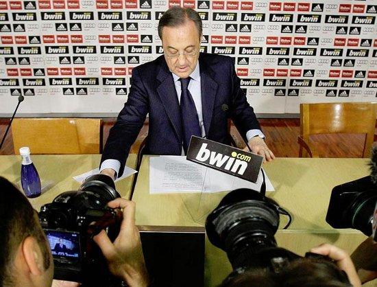 Florentino Pérez anuncia la salida de Jorge Valdano