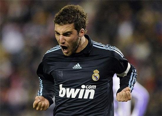 El Madrid golea 1 - 4