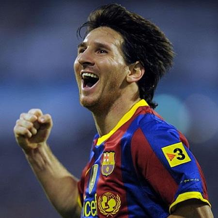 Messi se recrea en La Romareda