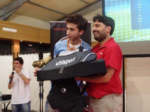 PES 2013: Pau Lara revalida su título como campeón de España