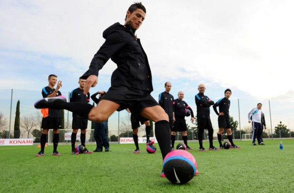 Entrenamiento de regates y tiro libre con Cristiano Ronaldo