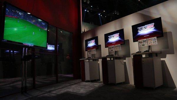 Zona para probar PES 2014 en el E3