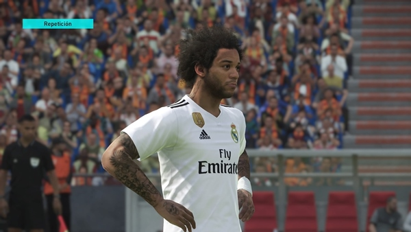 Descargas Pro Evolution Soccer 2018 PS4 Option File
